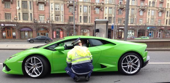 Lamborghini Huracan и ДПС в Москве