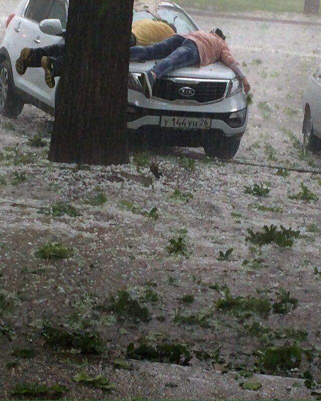 В Ставрополе автомобилисты готовят анти-градовые покрытия