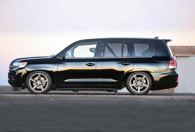 Самый быстрый SUV в мире показан на SEMA - и это Toyota Land Cruiser!