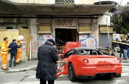 Неудача парковщика: перепутал педали на Ferrari 599 GTO