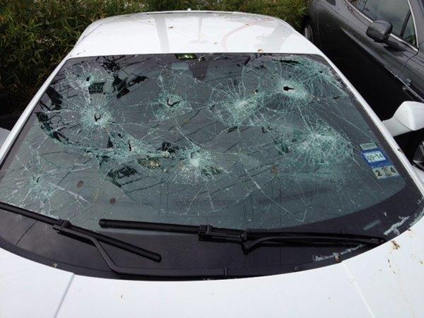 Новости: в Техасе голый автоненавистник расстрелял дорогих автомобилей почти на $200000