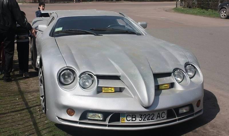 В Чернигове продается самодельный суперкар на шасси BMW