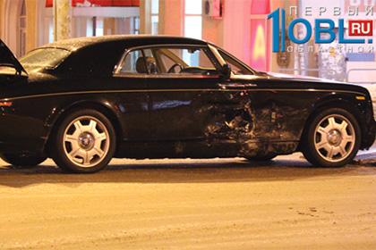 Авария в Челябинске: ВАЗ-2114 vs Rolls-Royce Phantom Coupe