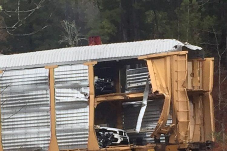 Крушение поезда в Южной Каролине: -120 авто BMW серии X