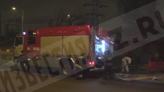 В Москве в Кутузовском проезде сгорели пять гелендвагенов
