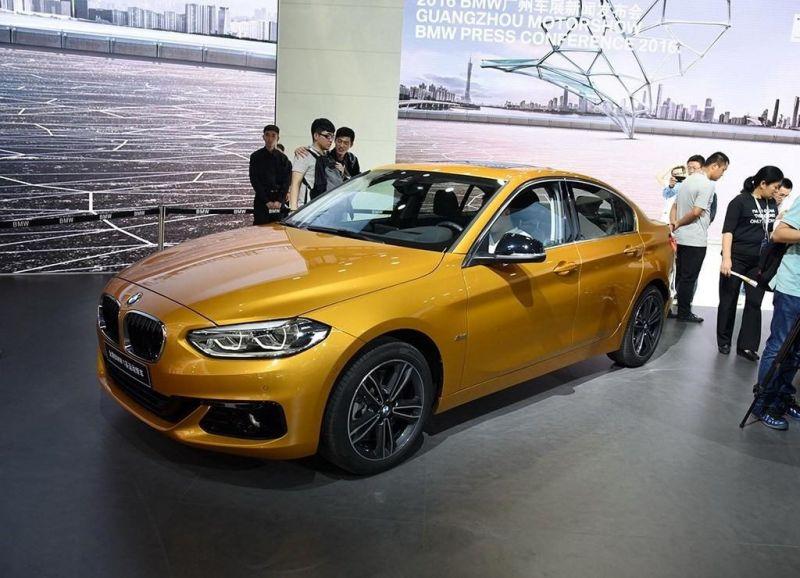 Седан BMW 1 серии продается теперь не только в Китае...