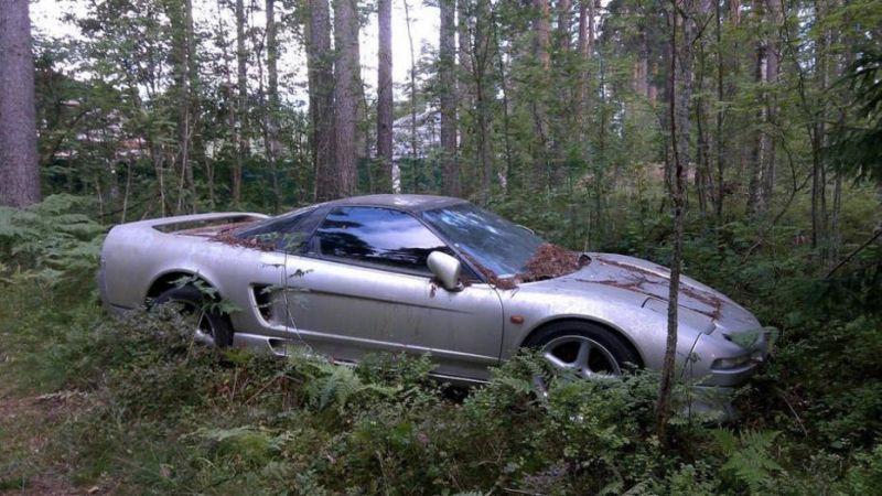 Acura NSX найдена в лесу (!) под Питером (!!)
