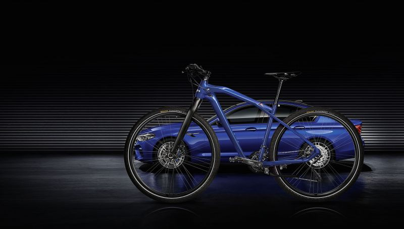 BMW M Bike Limited Carbon Edition - крутой велик в стиле ///M