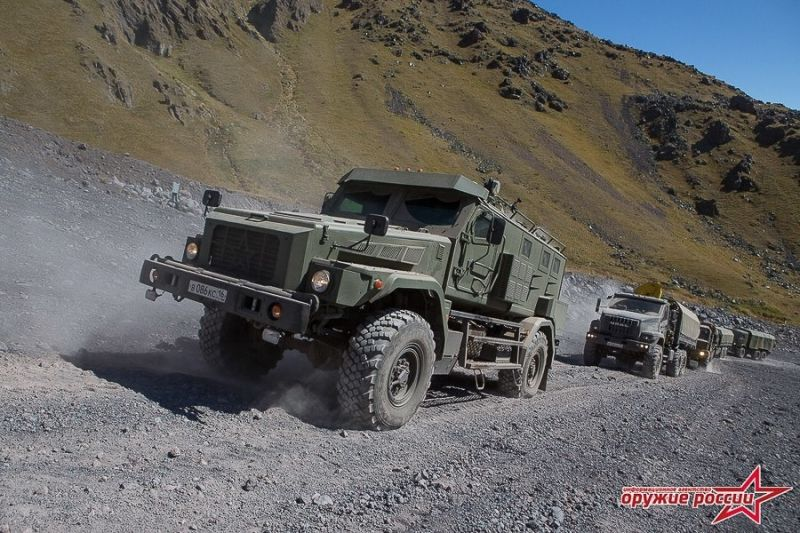 Успешно испытаны новые образцы военной автомобильной техники на Эльбрусе