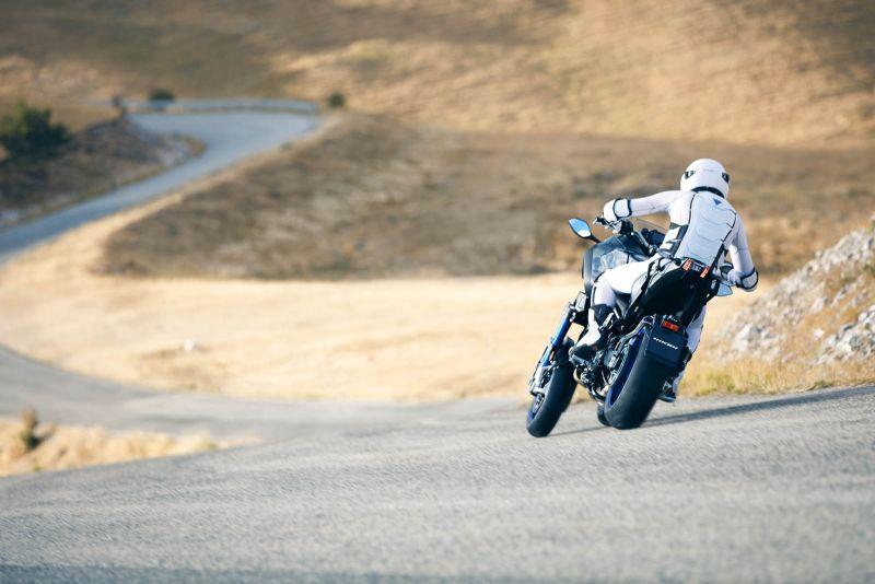 Yamaha Niken: не совсем обычный трехколесный мотоцикл