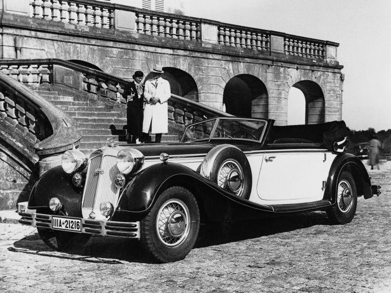 Horch 853A Sport Cabriolet и комендант Берлина в 1953 году генерал-майор Диброва Петр Акимович
