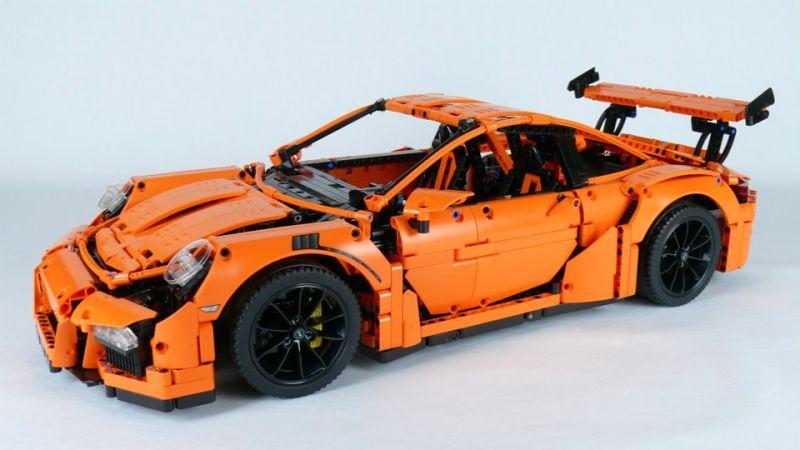 Видео краш-теста Porsche 911 GT3 RS. Но немного необычное.