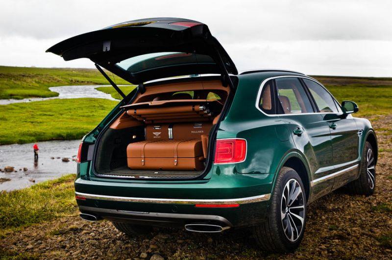 За окунями на Bentley Bentayga