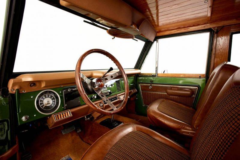 Ford Bronco в стиле