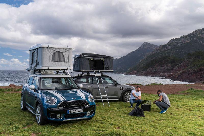 У MINI Countryman теперь есть палатка на крыше!