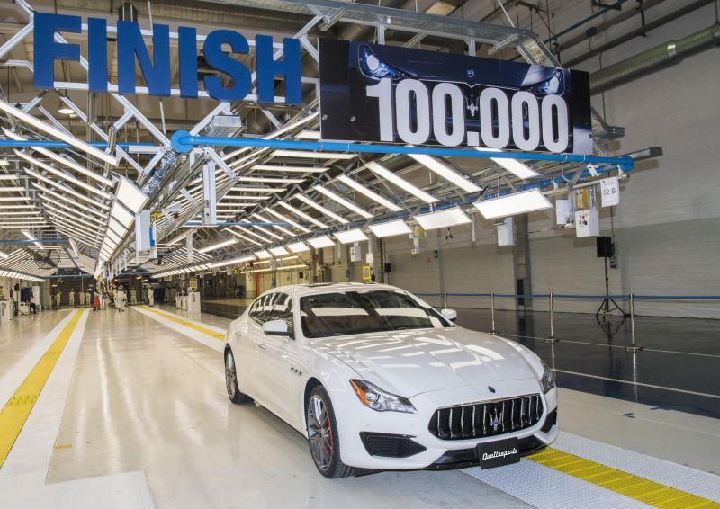 Завод Мазерати в Грульяско выпустил стотысячный автомобиль!