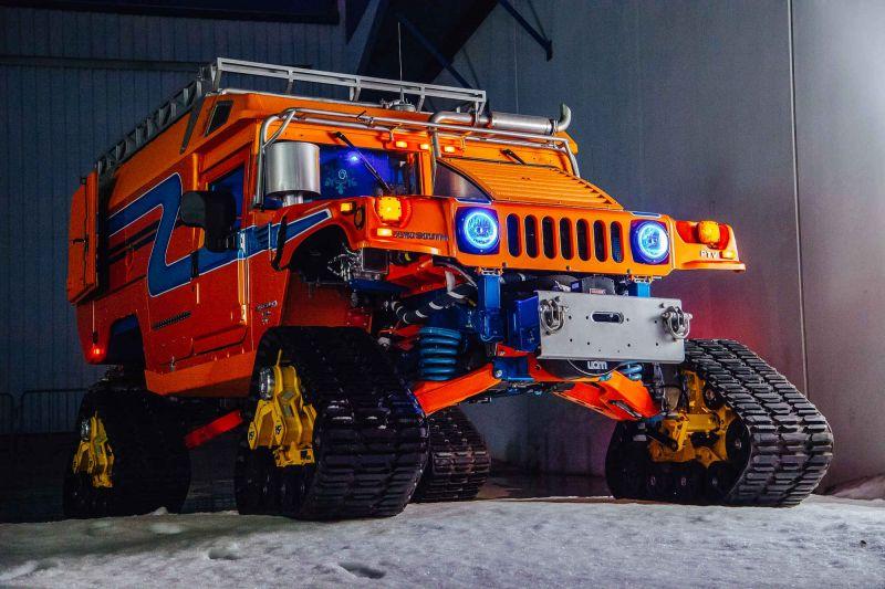 Парни из ZERO SOUTH переделали два хаммера, чтобы достичь на них северный полюс