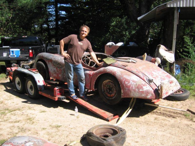 Jaguar XK120 1950 года простоял в гараже 50 лет