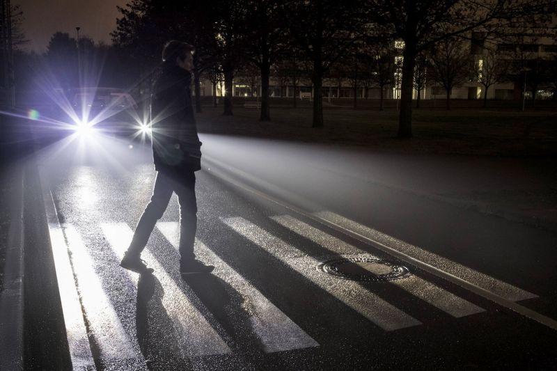Digital Light от мерседеса: фары будущего