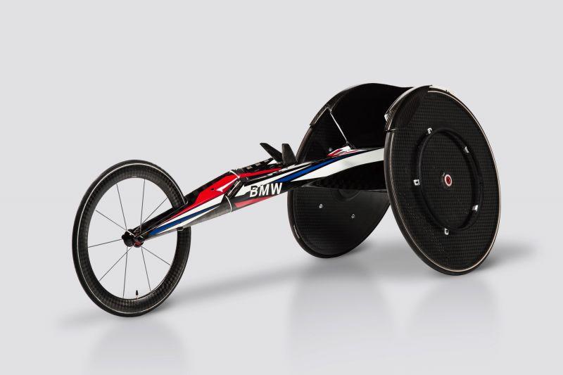 Новинка - трехколесная инвалидная коляска от BMW