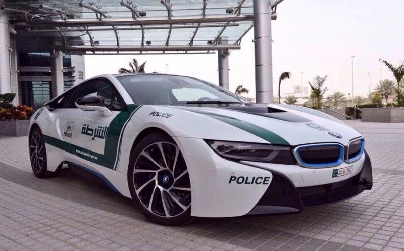 Дубайской полиции опять перепала шикарная тачка - на этот раз BMW i8