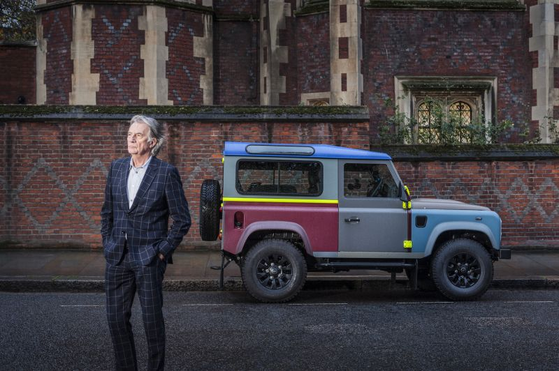 Land Rover Defender Поля Смита