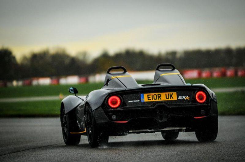 Zenos E10: новый легкий двухместный спорткар вообще без крыши