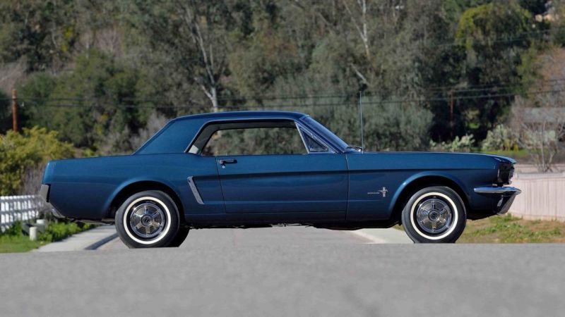 Первое купе Ford Mustang выставлено на аукцион