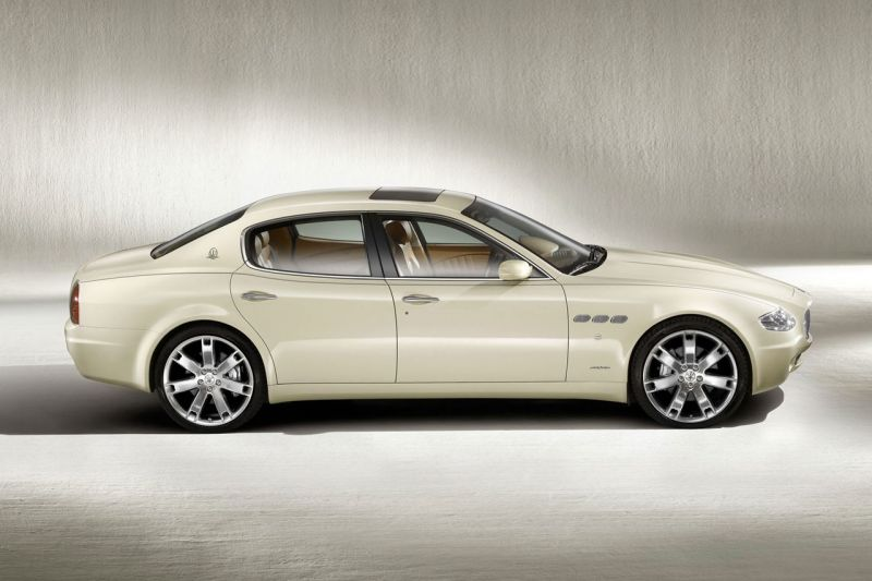 Maserati Quattroporte: четыре двери от знаменитых итальянцев